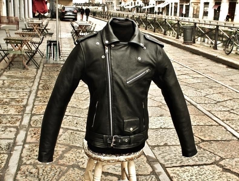 Giubbotto giacca chiodo pelle milano metal rock ta