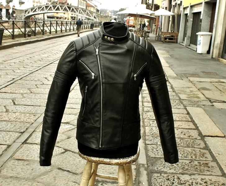 Giubbotto chiodo pelle moto biker cafe racer custo